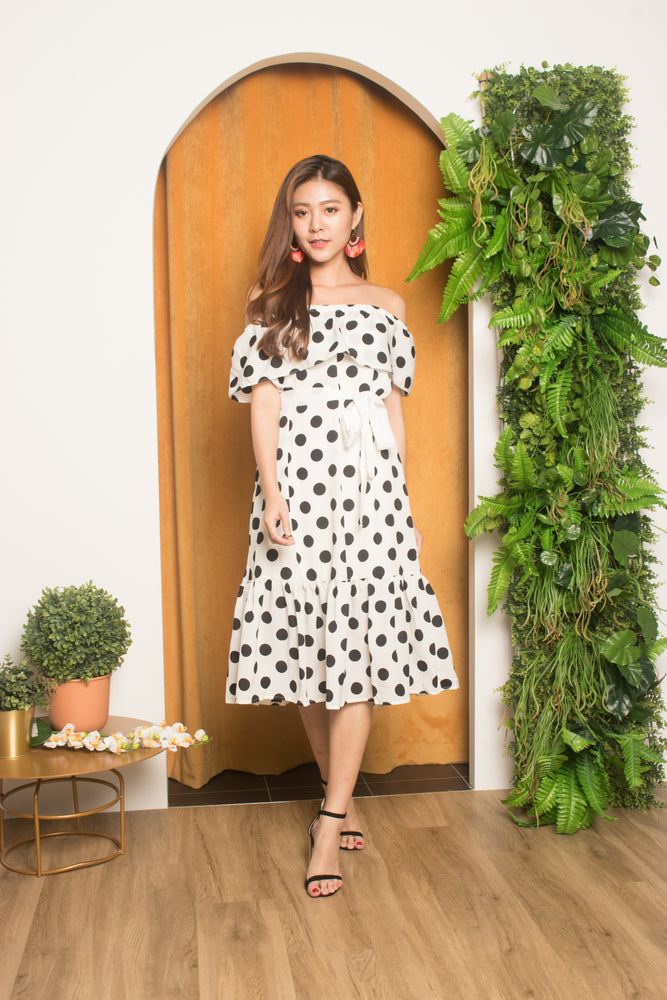 Load image into Gallery viewer, Verfon Vintage Polkadot Dress in White