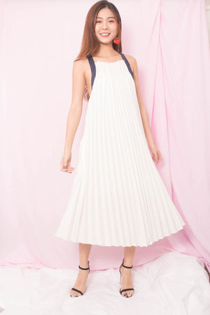 * PREMIUM * Dionlyn Flare Low Back Dress in White