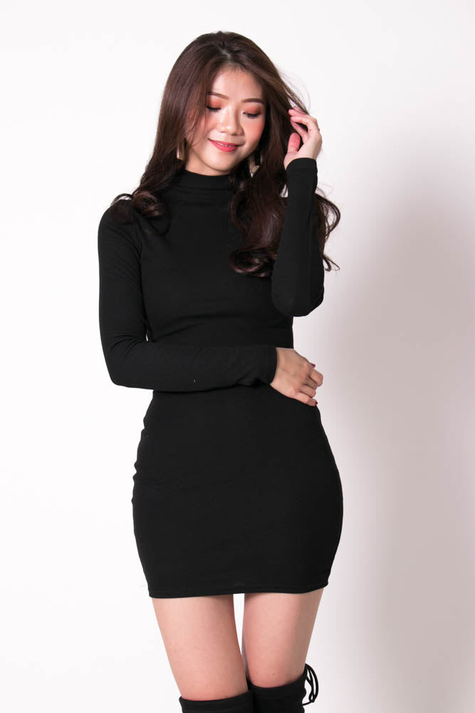 Load image into Gallery viewer, Charlotte Knitted Pullover Dress in Black