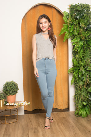 Kareliea Skinny Jeans in Light Denim