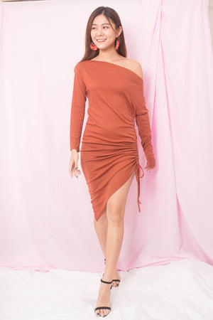 Tehalle Offsie Dress in Orange