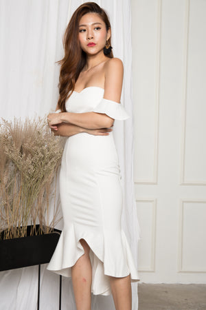 (BO) *PREMIUM* - ZECILIA OFF SHOULDER MERMAID DRESS IN WHITE - LBRLABEL MANUFACTURED