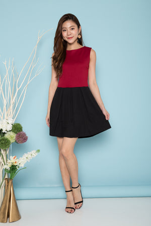 Sawyer Duo Tone Dress in Burgundy