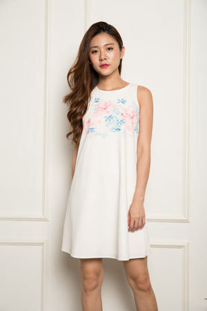 Min Floral Shift Dress in Blue