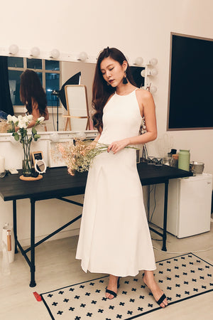 Load image into Gallery viewer, *PREMIUM* - EVALIA GOWN DRESS IN WHITE - LBRLABEL MANUFACTURED