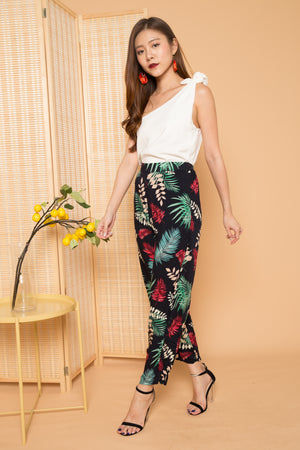 Andrra Tropical Floral Pants in Pink