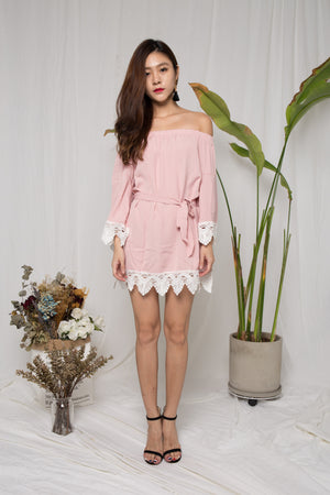 Yan Offsie Dress in Pink