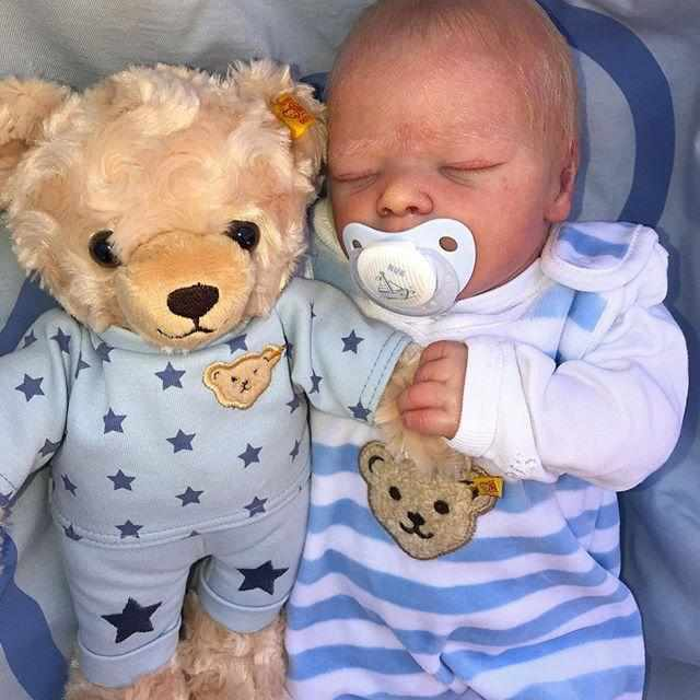 "[Special Discount] [Special Discount] 17.5"" Barret Truly Reborn Baby Girl Doll with Coos and ""Heartbeat"""
