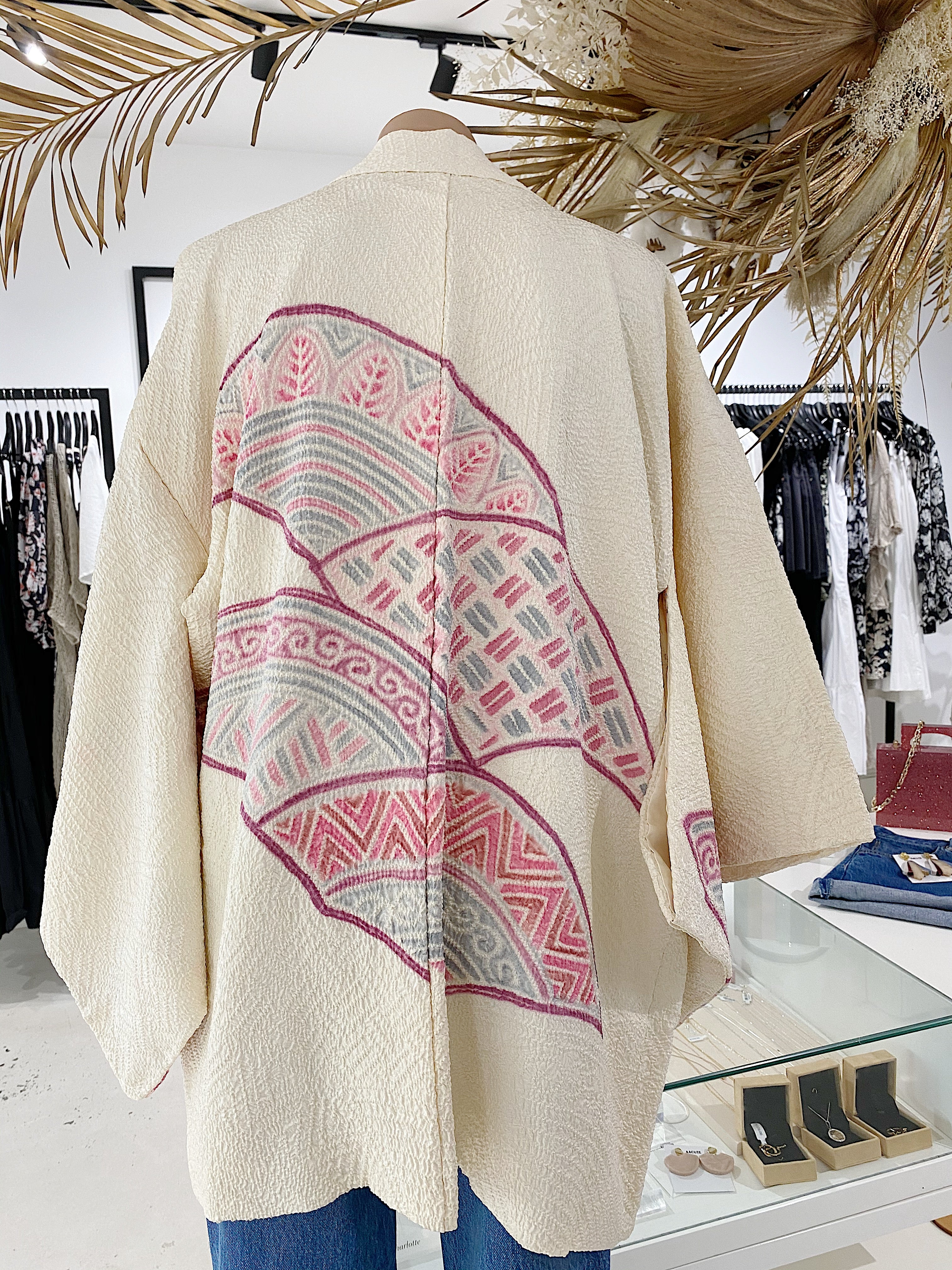 ÉSS THE LABEL FRANCESCA VINTAGE SILK KIMONO - CREAM FAN