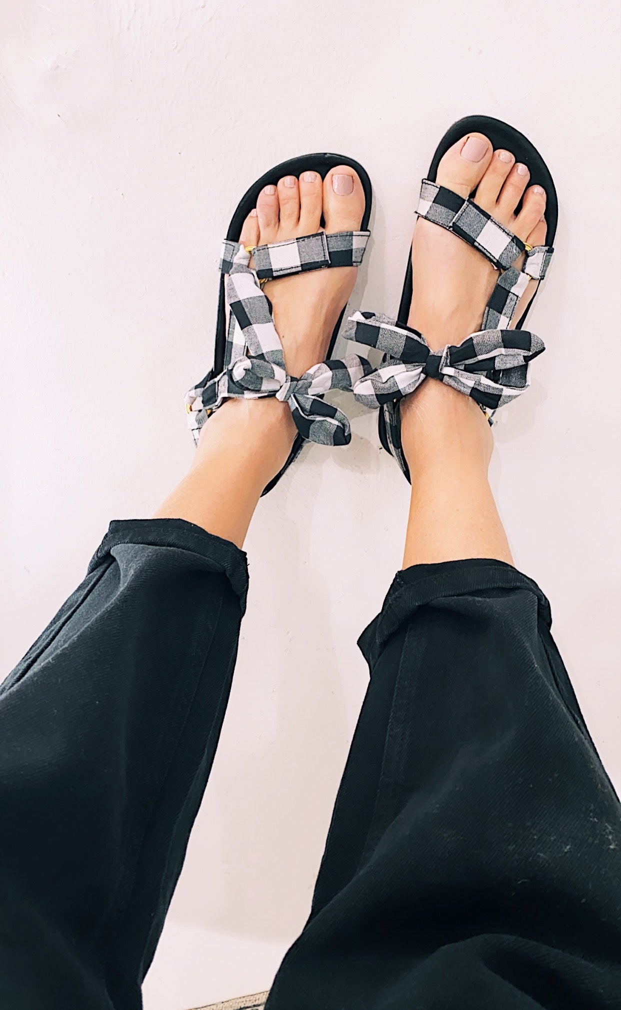 ÉSS THE LABEL Lucy Trek Leather + Linen Sandals - Gingham