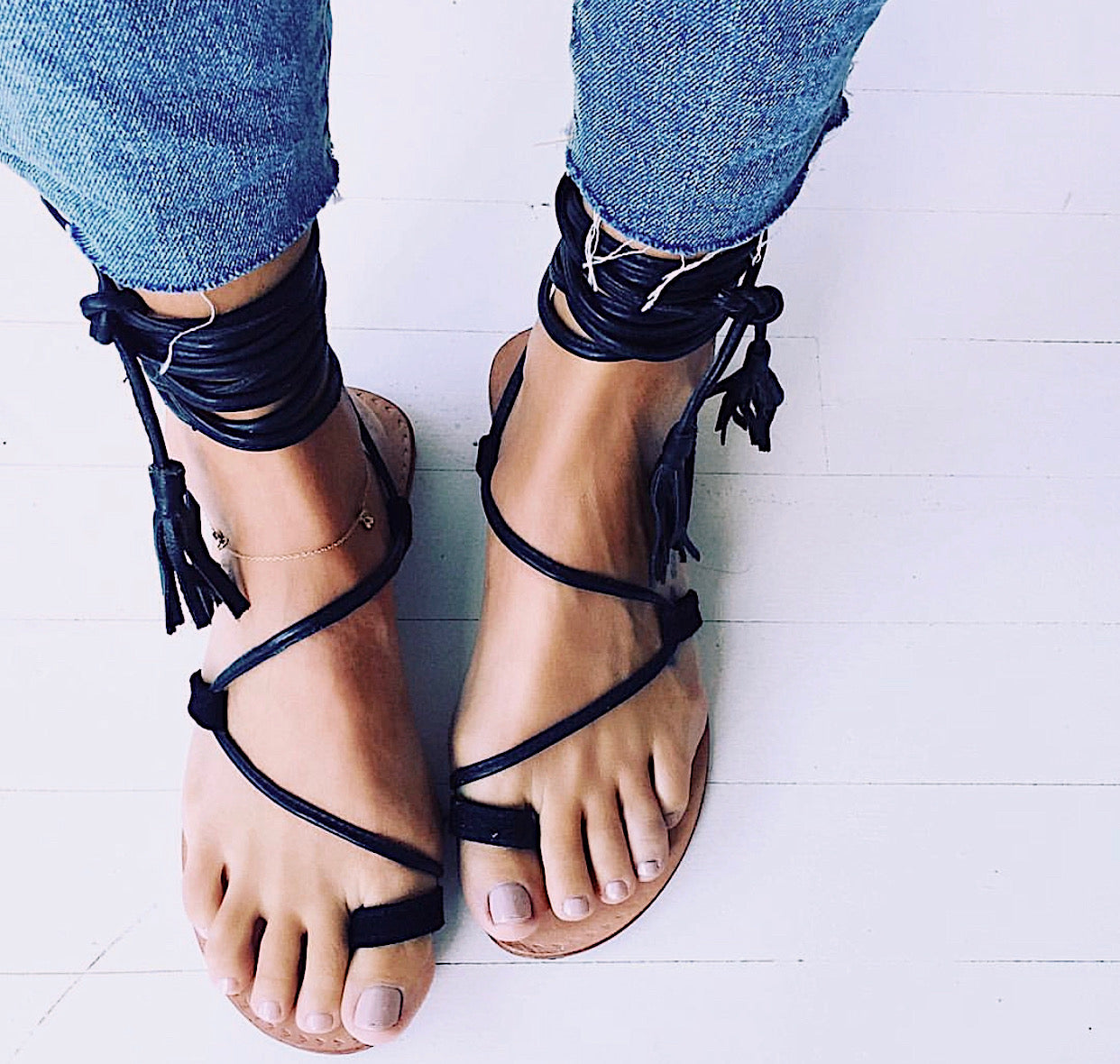ÉSS THE LABEL Bella Wrap Sandal - Suede Black