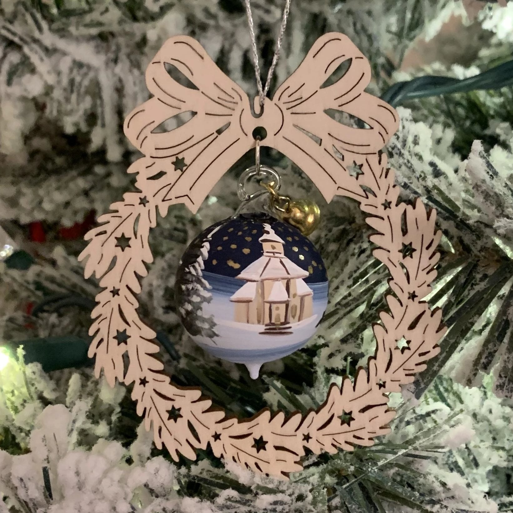 Elke's Wreath (Church on Christmas Eve) - Christmas tree decoration