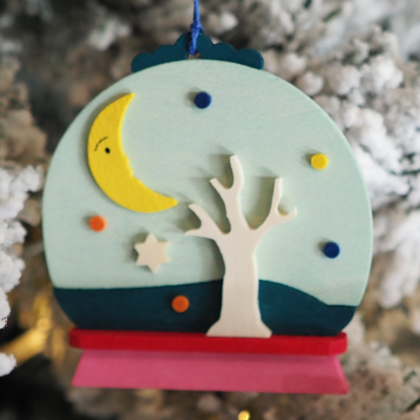 Snow Globe - Patti Polar Bear - Christmas tree decoration