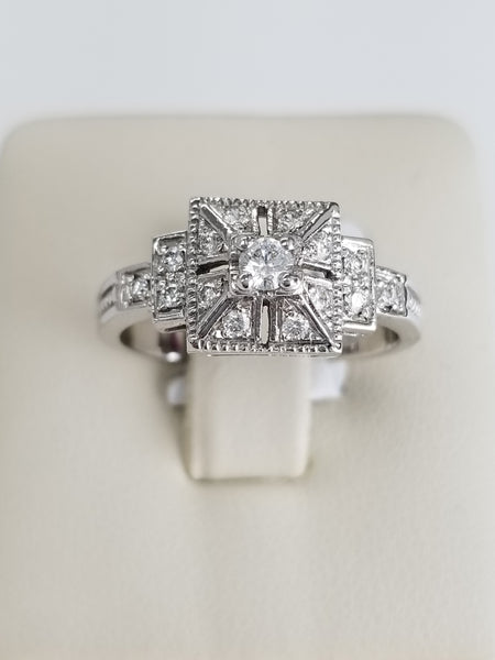 18K White Gold Vintage Diamond Ring