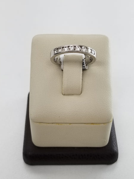 Platinum Eight Diamond Ring