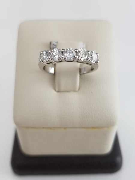 18K White Gold Common Prong Diamond Ring
