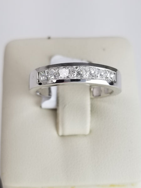 18K White Gold Princess Cut Diamond Ring