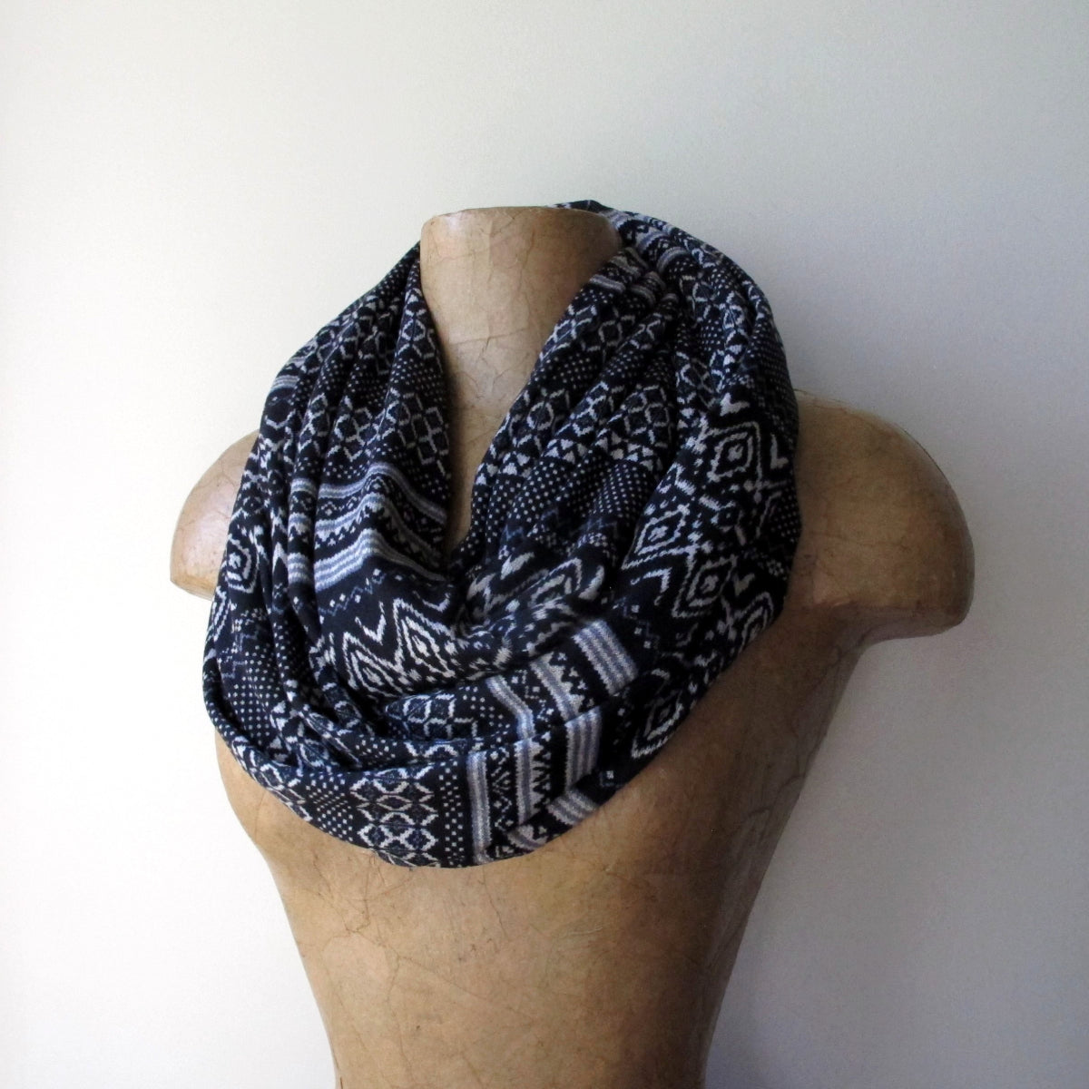 ecoshag black and white fair isle scarf