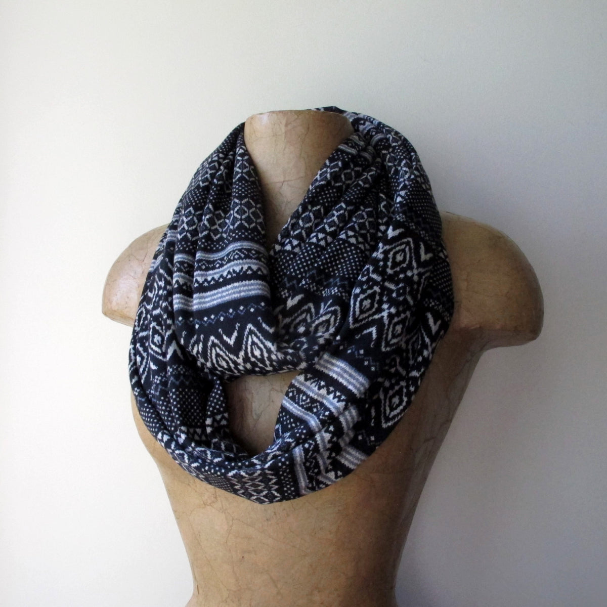 ecoshag black and white fair isle infinity scarf