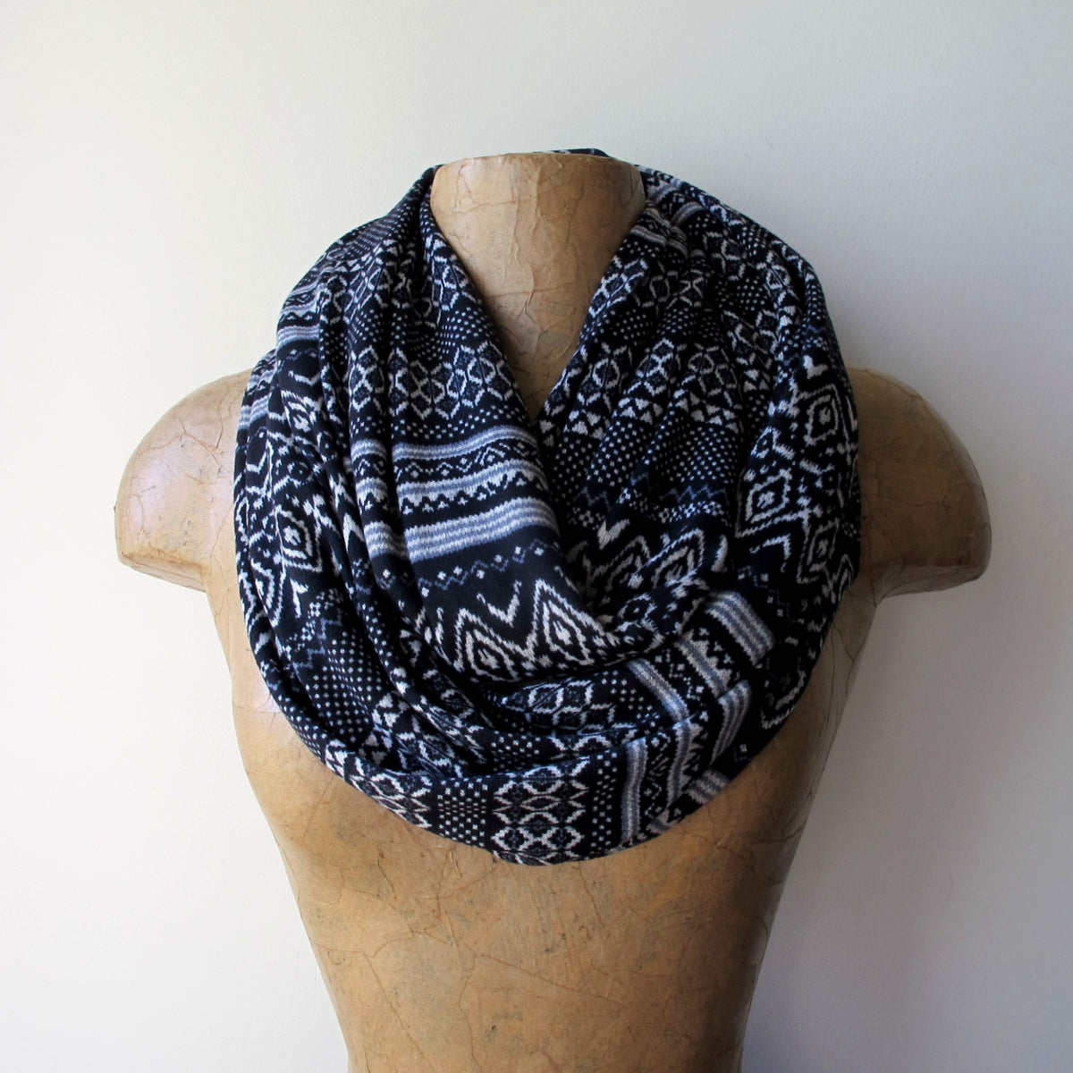 ecoshag black and white fair isle