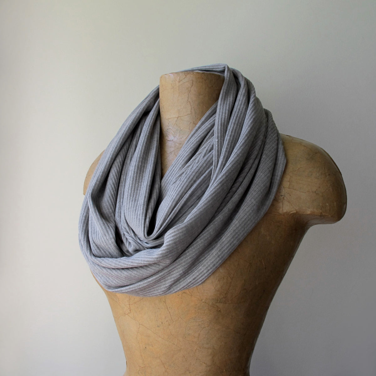 ecoshag light grey ribbed scarf
