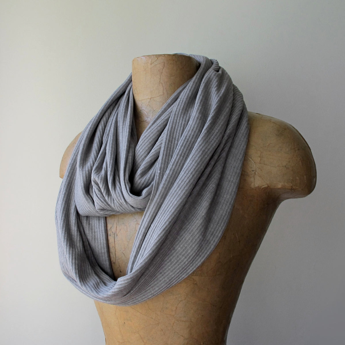 ecoshag light gray ribbed infinity scarf