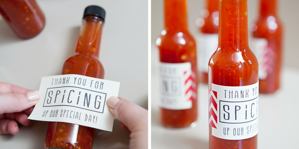 23 wedding favors - Hot sauce favor