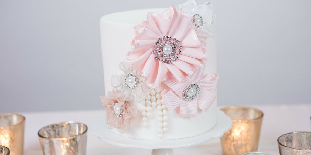 Totally Dazzled 2016 Lookbook Vintage Pink and Pearl Dummy Cake