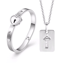 Load image into Gallery viewer, Heart Lock Bracelet & Key Set
