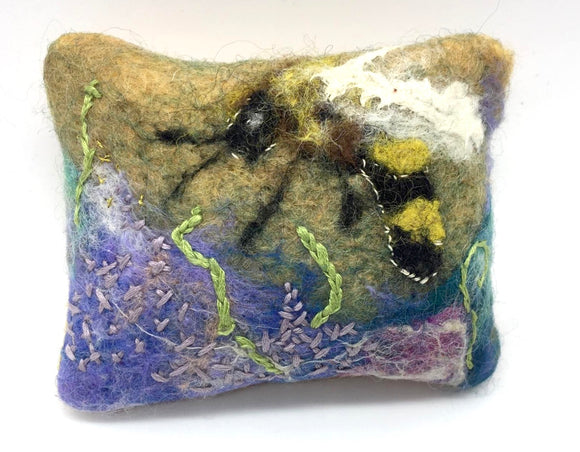 Felted Bee Sachet - Country Cottage Gifts