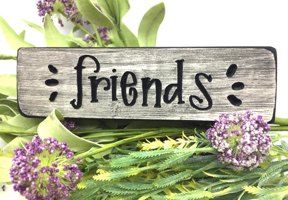 "Wooden ""Friends"" Magnet - Country Cottage Gifts"
