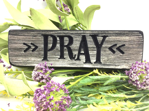 "Wooden ""Pray"" magnet - Country Cottage Gifts"