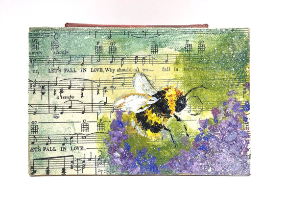 Canvas Bee Painting - Country Cottage Gifts