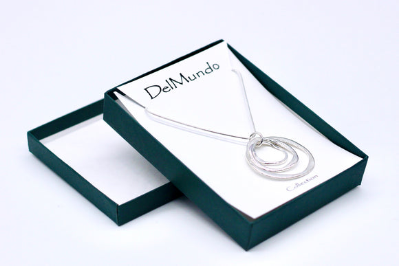 DelMundo Silver Rings Necklace - Country Cottage Gifts