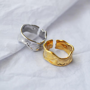 The Saville Ring - Lota & Chain