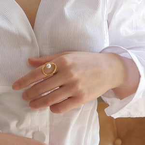 The Aria Ring - Lota & Chain