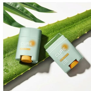 Kim Jeong Moon Cure Air Light UV Shield Sun Stick 20g SPF50+ PA++++ photo with aloe plant