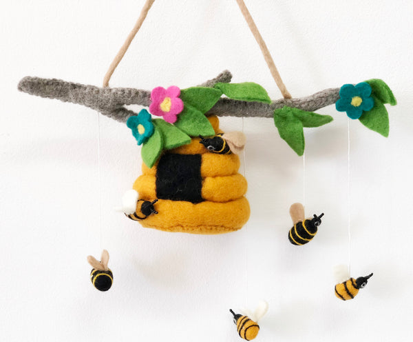 felt buzzy bee mobile