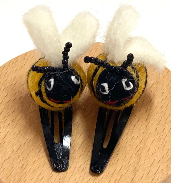 felt ladybug 🐞and bee 🐝 clips
