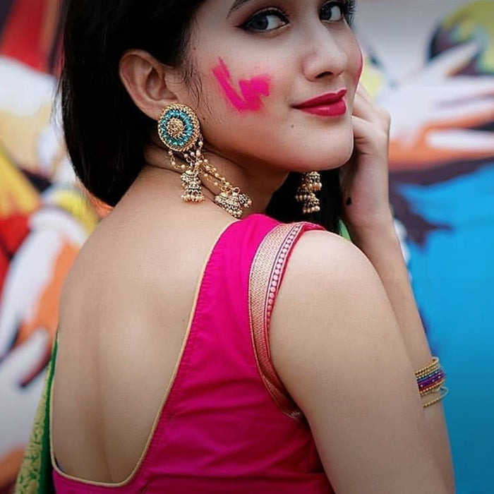Colorful jewellery to flaunt this Holi