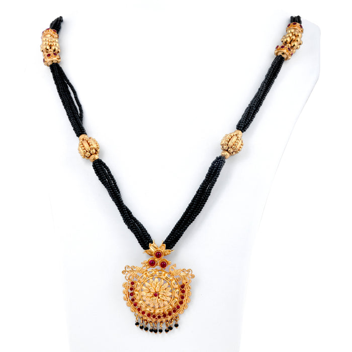 Red Stone Blossom Pendant Mangalsutra On Mannequin