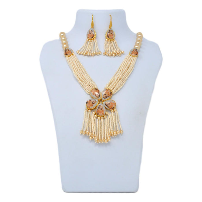 Moti Dhaga Necklace Set On Mannequin