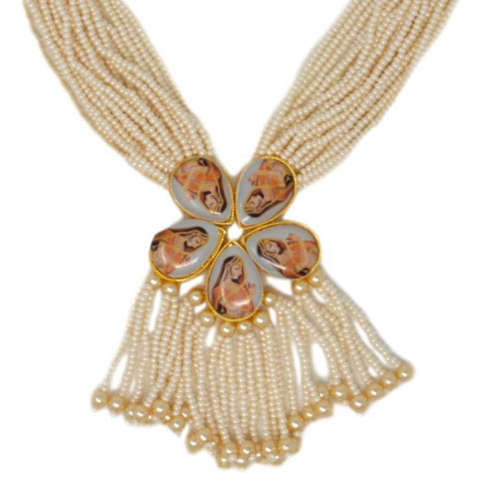 Moti Dhaga Necklace Set Closeup