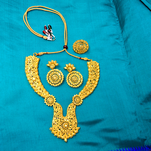 Golden Temple Finish Necklace Set Color