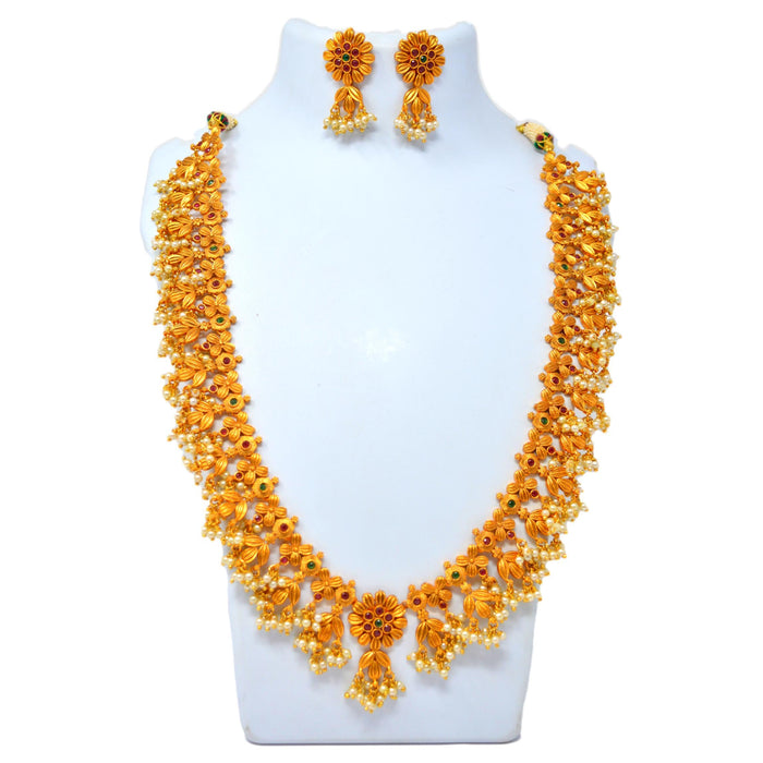 Temple Moti Guccha Necklace Set On Mannequin