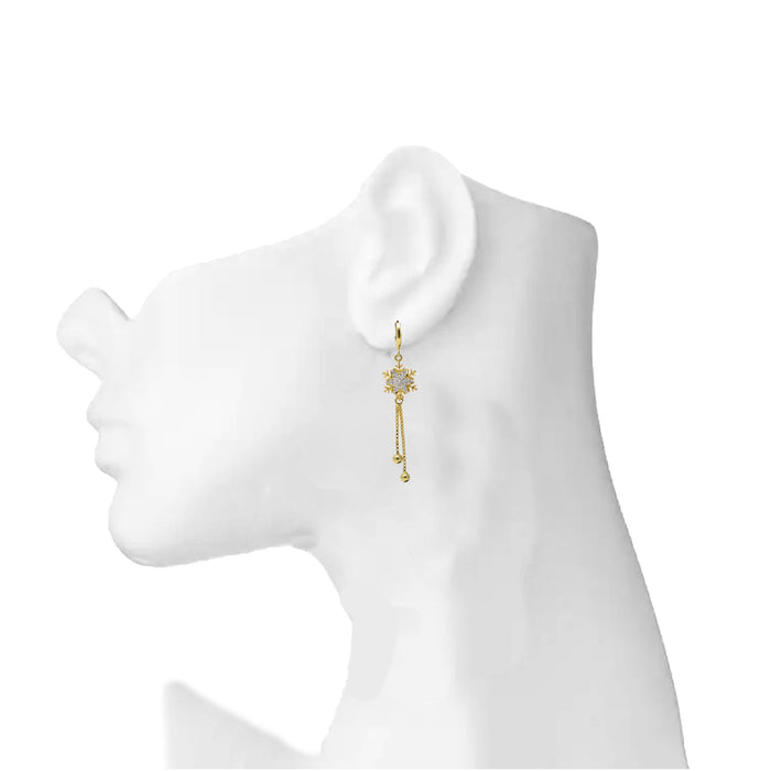American White Diamond Earring On Mannequin