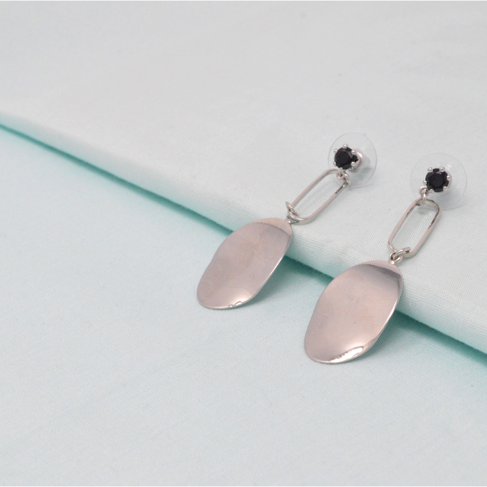 Silver Black Stone Earring  Color