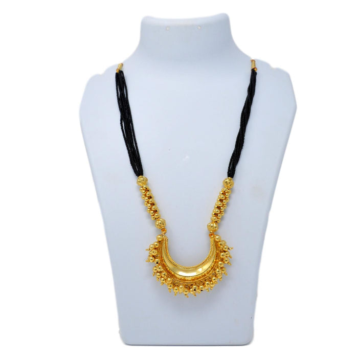 Chandrakor Black Mani Mangalsutra On Mannequin