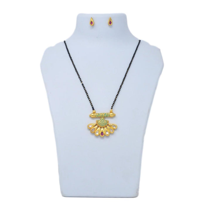 Kundan Mangalsutra Necklace Set On Mannequin