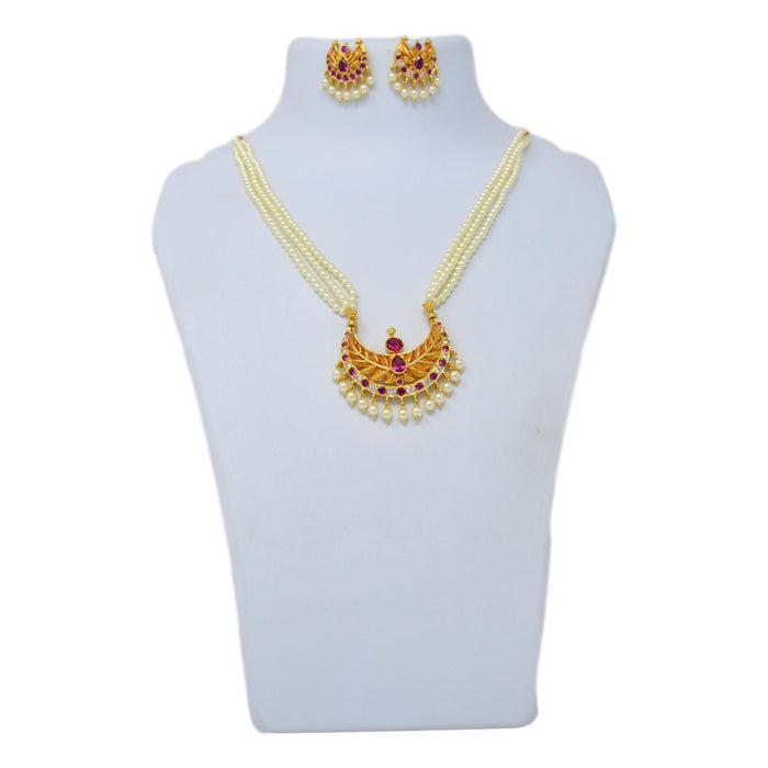 American White Diamond With Red Stone & Moti Necklace Set On Mannequin